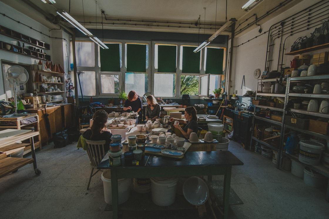Projekt Pracownie_wywiad_August Design Studio_ceramika_fot_Radek Zawadzki