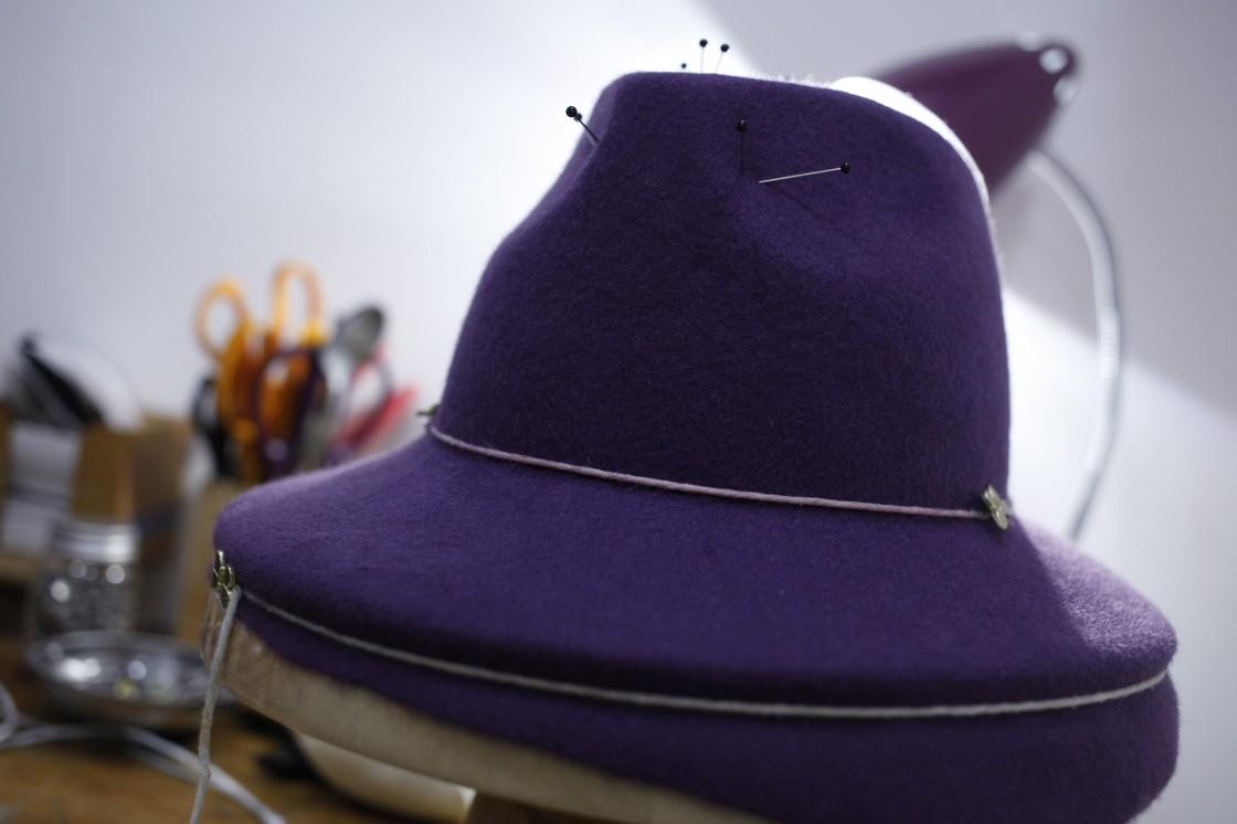 Umawiać się na kapelusze znane