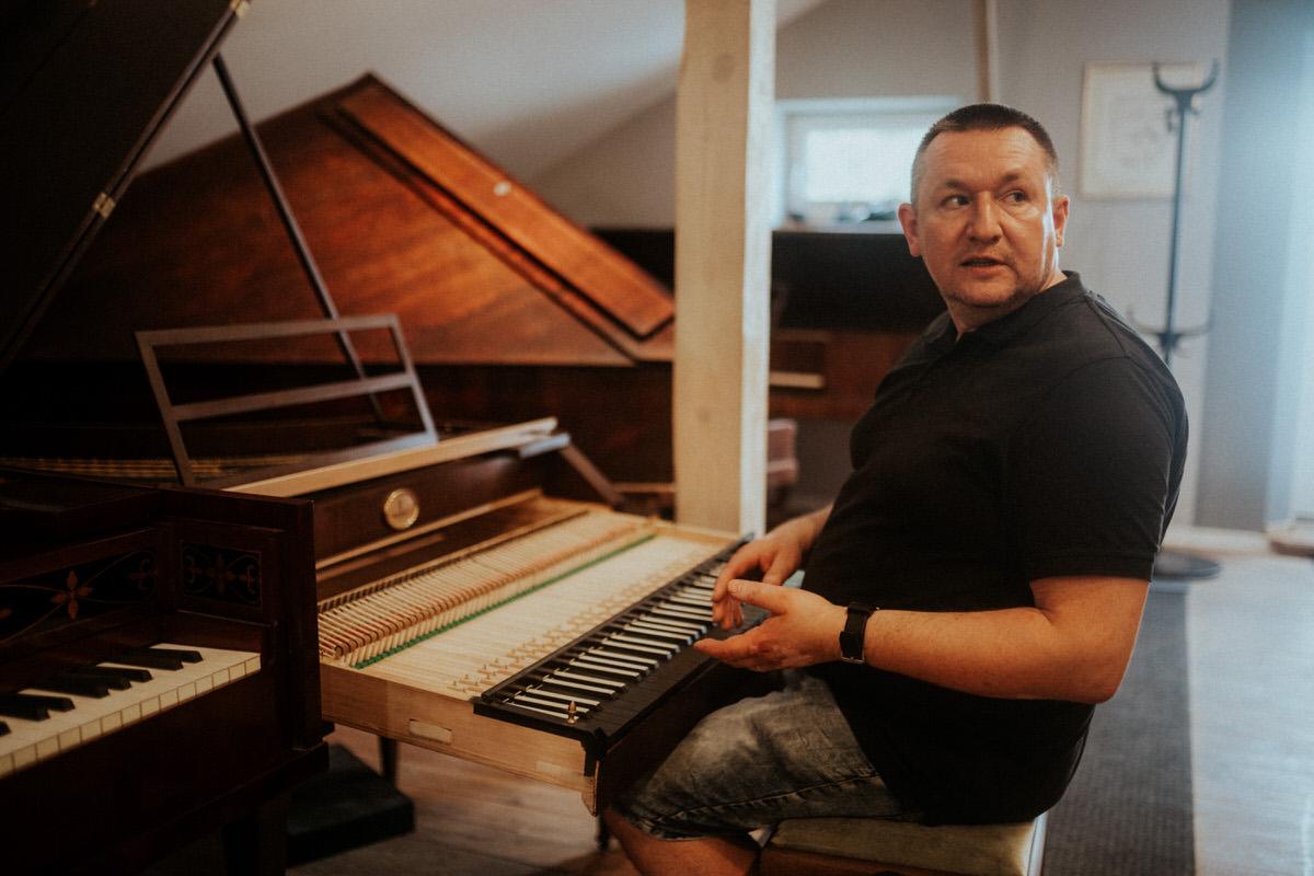 Projekt Pracownie_wywiad_Pracownia Pianin i Fortepianów Andrzej Włodarczyk_fot_Marcin Szumowski